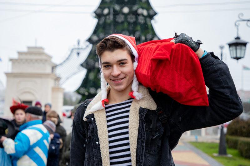 Участник забега Ваня Карнавский