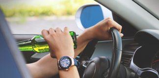 Пьяные за рулём. Фото:pixabay.com