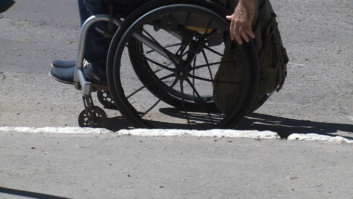 Приднестровцев попросили сообщать о местах, неудобных для людей с инвалидностью