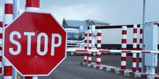 Запрет на выезд приднестровским водителям:версия Кишинева