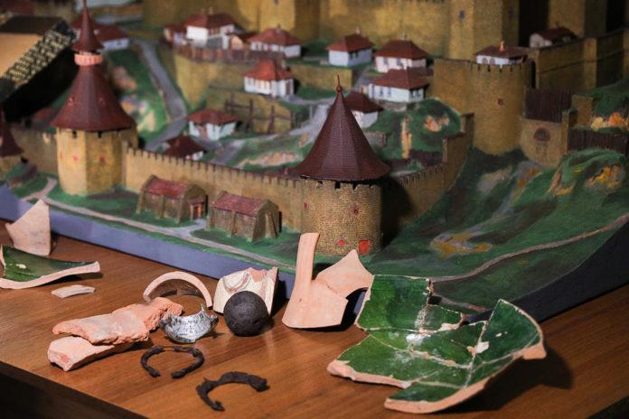 Археологические находки были переданы в музей Бендерской крепости
