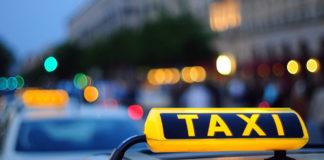 Водитель такси в Кишиневе готов возить врачей на работу. Фото: ru.sputnik.md