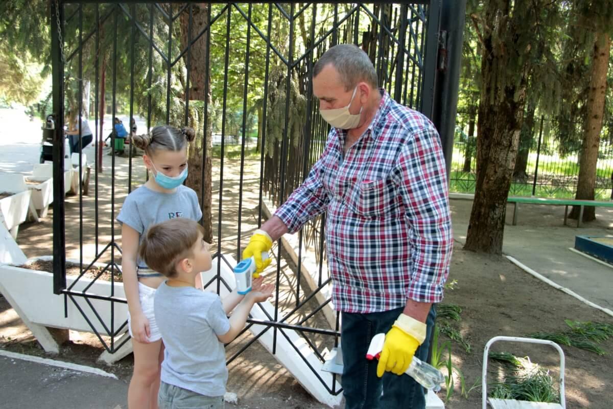 Детские аттракционы работают, соблюдая санитарные нормы