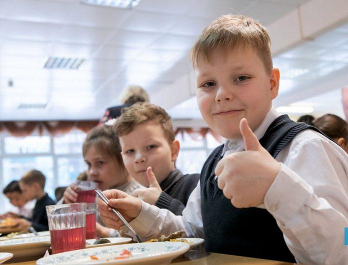 Школьные столовые могут открыть со второй четверти