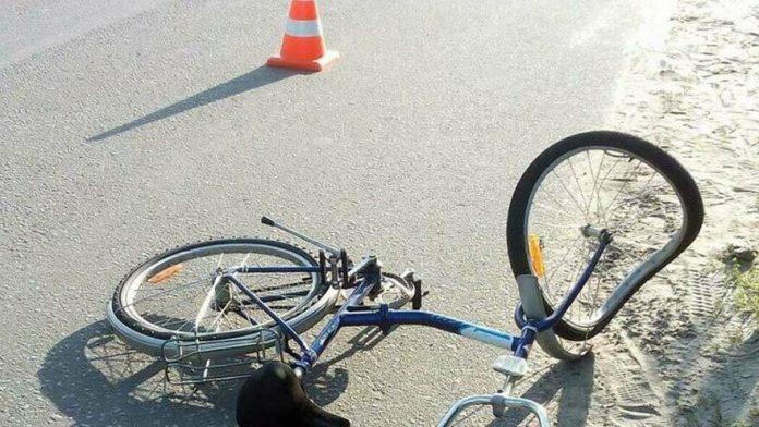 Велосипедисты попали под колеса BMW